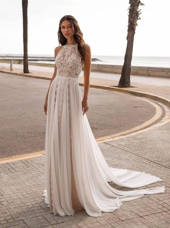 Pronovias wedding dress: -$150 OFF